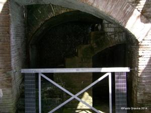 Foto 8: Pozzuoli, Anfiteatro Flavio, sotterranei, ambulacro meridionale, ambiente con scala di servizio.