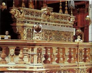 Photo 5: Naples, church of San Pietro a Majella, the main altar realized by Pietro and Bartolomeo Ghetti on a design by Cosimo Fanzago.